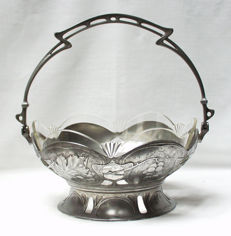 Minerva - Art Nouveau fruit basket with handle
