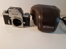 Nikon F (including bag)