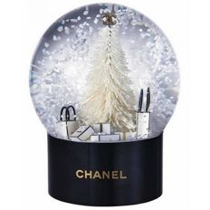 Chanel very rare snow globe collectors