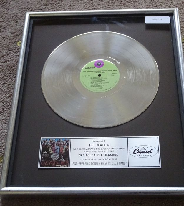 "Usato, I record di Capitol/Apple Beatles Platinum Award Inhouse ""Sgt Peppers Lonely Hearts Club usato"