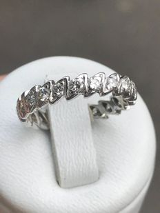 Eternity ring in 18 kt white gold, Top Wesselton diamonds 1.26 ct - size 54/16.8 mm