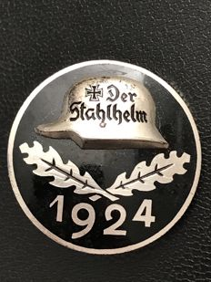 Stahlhelmbund admission badge in silver 1924 steel helmet member admission badge made of 935 silver
