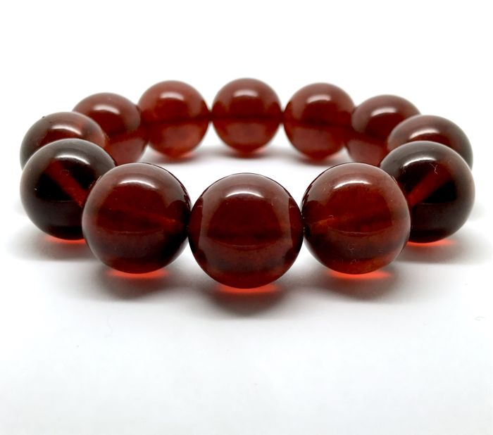Bracelet of big amber beads 16 mm in diameter, cherry colour, 28.8 gr - no reserve