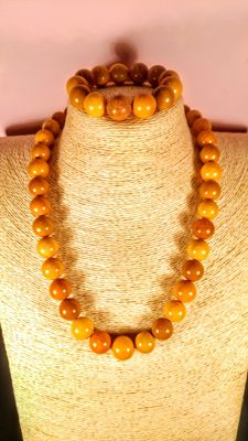 Vintage Egg yolk colour Baltic Amber round modified beads bracelet and necklace, 83 grams