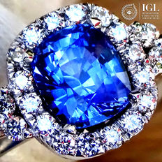 Blue Sapphire Ring Cocktail Diamond And 18 kt Gold 2.52 ct - Size 6.5 - IGL Certified - No Reserve Price