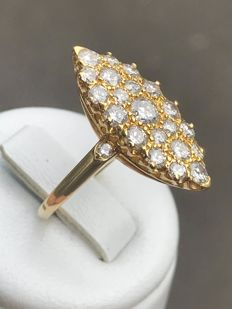18 kt gold Marquise ring with 1.3 ct Top Wesselton diamonds - Size 53/16.8 mm