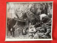 France - Set of 14 original photos and 1 postcard of Oradour-sur-Glanes taken a few days after the Nazi barbarism.