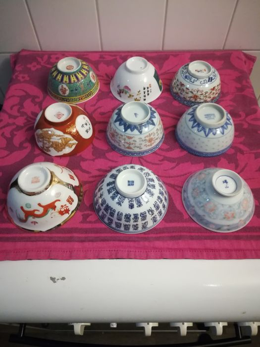 Porcelain - 9 bowls from China/Japan - 2nd half 20th century
