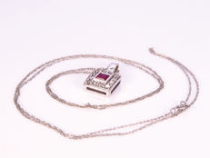 0.51 Ct diamonds & ruby pendant - No reserve!