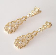 18 kt yellow gold long earrings - Length: 4 cm