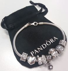 Pandora bracelet with 7 charms - Silver - 925 - 19 cm