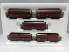 Märklin H0 - 46244 - 5-piece ore carriage set, bulk material carriages with automatic middle buffer–coupling of the DB (2314)