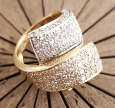 Ring bi-colour 18 kt 750/1000 gold set with 150 round diamonds each 13 diameter - certified by an expert - size 54