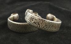 Pair of antique silver Berber ankle bracelets – Morocco, early 20th century