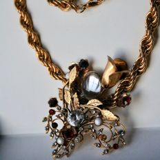 "Rita Caruso, Italy Gilded, very thick and heavy 95 grams gold plated cord chain with large, stone-occupied ""Flowers bouquet""."