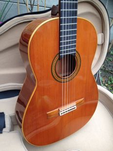 Amalio Burguet classical guitar from 1990
