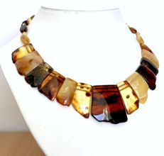 Natural Baltic amber 29.6 gr necklace: not pressed, colourful, 35mm in width, 45cm in length