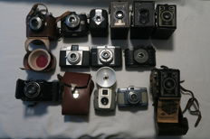 Camera collection of 13 old cameras with 3 leather bags and user manual - Germany 1938 - 1961 (probably defect)