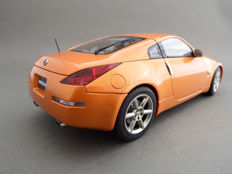 Autoart - Scale 1/18 - Nissan 350 Z Fairlady (RHD) 2002 - Sunset orange