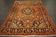 Antique fine hand-knotted Persian palace carpet, Keshan, cork, 133 x 210 cm, made in Iran