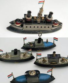 Hess, Germany - Length 14-22 cm - Tin Dutch war fleet with clockwork motor, connectors and fleet formation examples, around 1910