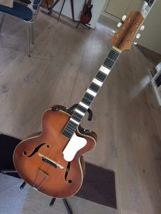 Beautiful! A very cool vintage acoustic jazz guitar, presumably from Germany, presumably late 1950s