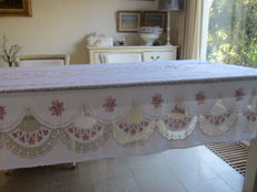 Beautiful old rose table cloth 2.25 x 153