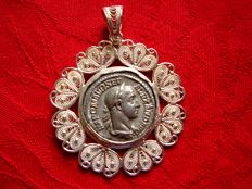 Roman Empire - Severus Alexander (222-235 A.D.) silver denarius mounted inside a silver (.925) handmade pendant manufactured with the ancient jewellery technique called filigrana (filigree).