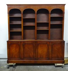 Hand made English solid wood bar/drinks dresser