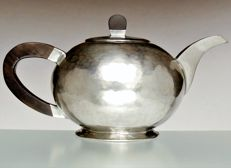 Karl Raichle (Bauhaus student) - rare tea pot from the Bauhaus time