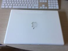 "Apple Macbook 13,3"" Whte : Intel Core 2 DUO 2.4Ghz"