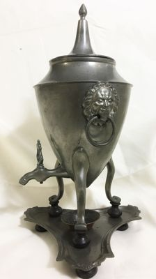 Pewter samovar with lion head decor - Holland - ca 1850
