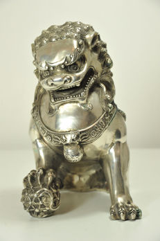Giant Foo dog - bronze silver plated - China - late 20th century