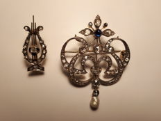 Pair of diamond brooches from 1900s