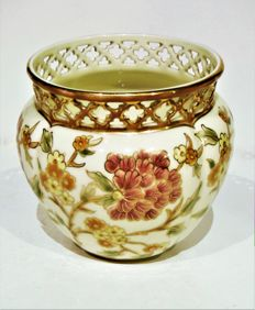 Villmos Zsolnay: porcelain vase with floral decoration * hand-painted