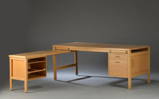 Unknown designer - vintage desk of oak veneer
