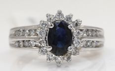 White gold ring with blue sapphire 1.01 ct and diamonds 0.50 ct -No reserve price-