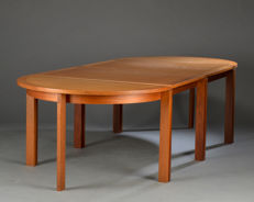 Henning Jensen & Torben Valeur for Munch Møbler - four-part table, model M40