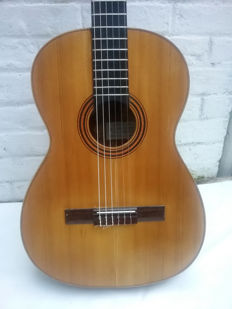 Old Spanish acoustic guitar A. DOTRAS CORDOBA - Solid spruce and mahogany