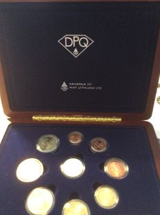 Finland - Year pack Euro coins 2003 inlcuding diamond of 0.2 ct