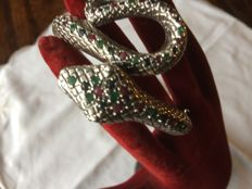925/1000 with King cobra snake decoration and inlaid with precious stones - Emerald - Sapphire - Ruby