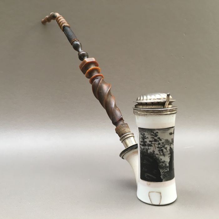 Hand painted porcelain pipe with (unmarked) silver fitments and horn stem - Germany, ca. 1840