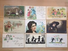 Lot consisting of  500 postcards + 1 necklace + many more documents, etc.