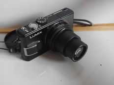 Panasonic Lumix lx20 with Leica lens