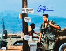 "Charles Sheen - Authentic Signed Autograph "" Platoon"" ( 20x25 cm ) Photo - With Certificate of Authenticity PSA/DNA"