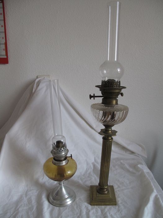 Two large and very beautiful old oil lamps in bronze and brass, France, 19th