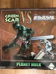 Sideshow Collectibles - Green Scar vs Silver Savage - Exclusive Limited Edition Diorama + The Incredible Hulk #95 : Planet Hulk CGC 9.6