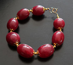 Bracelet of large polished rubies and 14 kt Gold clasp - 210 ct - 20.2 cm