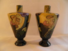 Plateelbakkerij Zuid-Holland - Two piece set of tapered vases on a foot