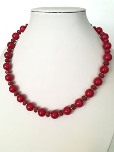 19.2 kt – Rubellite necklace with gold ring clasp